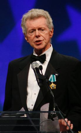 米国のピアニスト、バン・クライバーン氏=米フィラデルフィアで2008年9月、ロイター共同